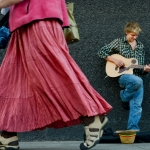 051013_FeatureStreetsideGuitarBoy