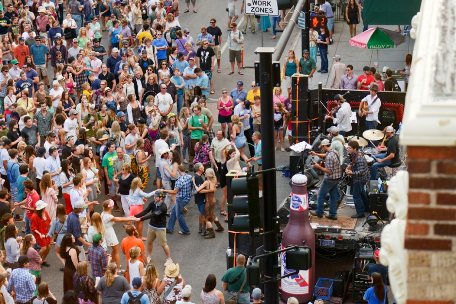 "Mike Greener/Chronicle Attendees of Music on Main Street in downtown Bozeman dance to the band ""One Ton Pig"" Thursday evening."