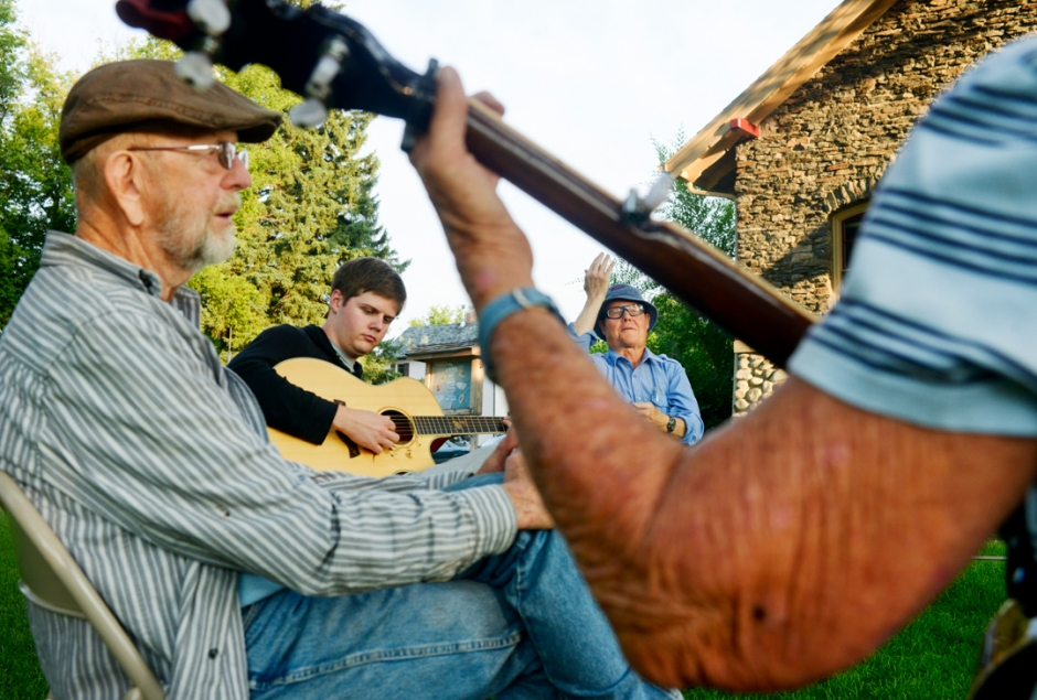 Mike Greener/Chronicle A small gathering of music enthusiasts gathered to play music together at the Community Jam Session at Beall Park Tuesday evening. The bi-monthly event attracts musicians and music lovers from all over to gather to play and listen to music in the park.