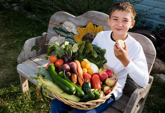 Bozeman Family Photography Gallatin Valley Botanical Farm kid portrait